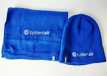 Sall ja müts tikitus Systemair logoga